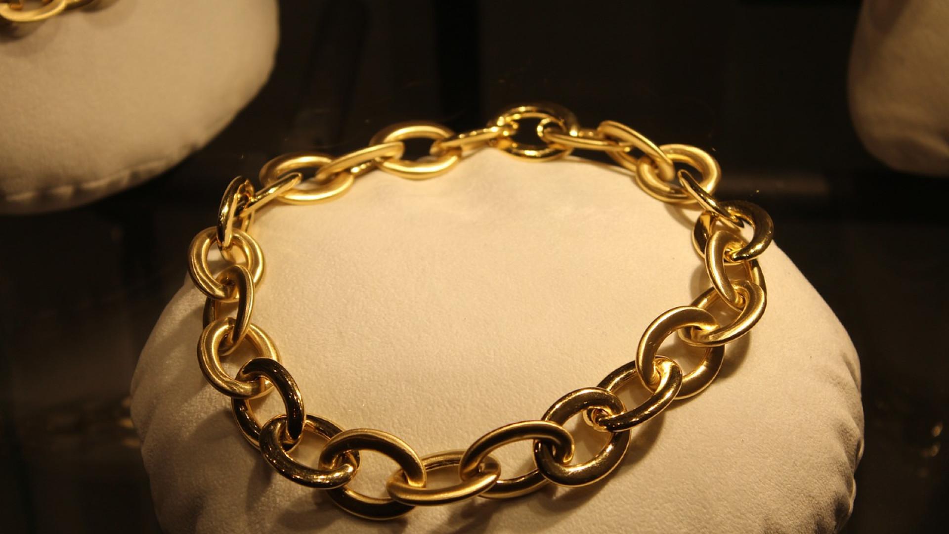 Pourquoi préférer les colliers en acier inoxydable ?